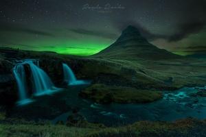 Paisagem Natural/Noite com a aurora em Kirkjufell