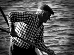 Gentes e Locais/The river fisherman... ler