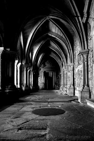 Arquitetura/Corredor de luz e sombra...