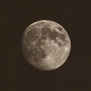 Outros/Não me chateies que eu agora estou na Lua!