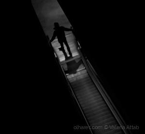 Gentes e Locais/caminho de sombra e luz....