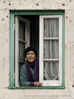 Retratos/À janela - Portugal