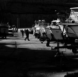 Gentes e Locais/Barcos, a sombra de um pescador qualquer