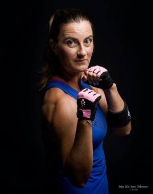 Retratos/A instrutora de STRONGNation