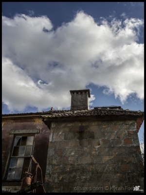 """Gentes e Locais/"""" Sob as nuvens"""""""
