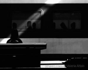 Outros/A menina e o trem...