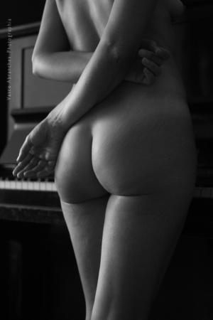 /Estudo de Nu com Piano