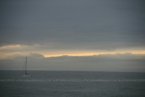 Outros/sailing under grey skies