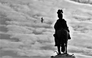 Gentes e Locais/Nas nuvens