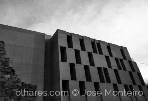 Arquitetura/o clássico e o moderno