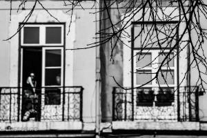 Fotografia de Rua/a rapariga à janela