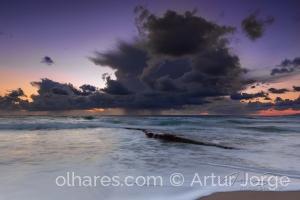 Paisagem Natural/Lá no alto Mar a tempestade desabou