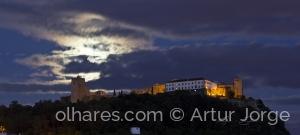 Paisagem Urbana/Castelo de Palmela e a Lua Cheia