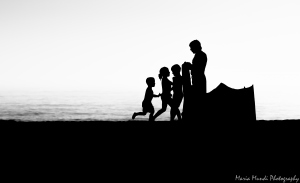 /Pai e filhos na praia