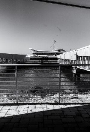 Paisagem Urbana/Embarcação á meia luz !