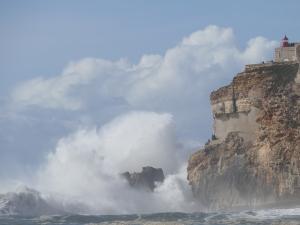 /O Mar da Nazaré...