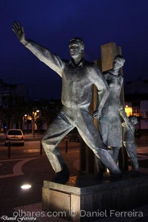 /Monumento aos Emigrantes de S. Miguel