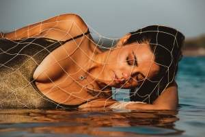Retratos/Girl with Fishnet.. # 35
