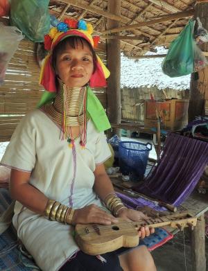 Gentes e Locais/Retratos do Oriente (Tailândia) 2/18