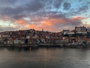 Fotografia de Rua/Vista para a ribeira do Porto