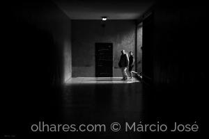 Gentes e Locais/Luz ao Fundo do Túnel