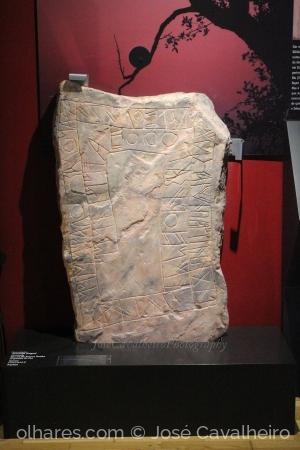 /Escrita na pedra