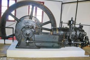 História/Máquina antiga de moagem