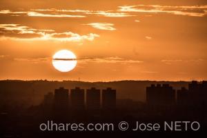 Paisagem Urbana/Cortando o sol..