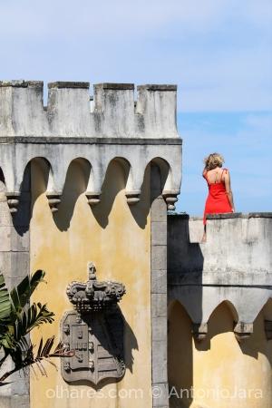 Gentes e Locais/A MULHER DE VERMELHO - Palácio da Pena