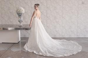 /white dress