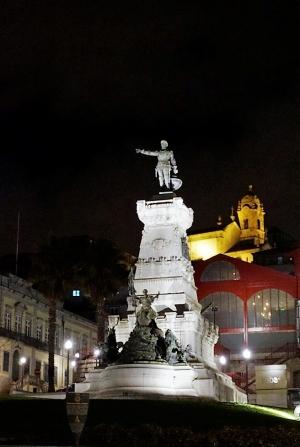 /Praça do Infante D. Henrique