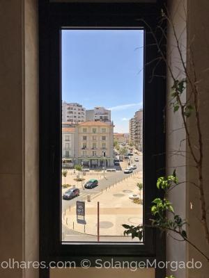 Gentes e Locais/Da janela vê-se o mundo