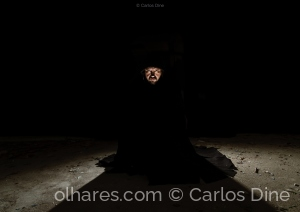 Retratos/Out of darkness