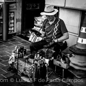 Fotografia de Rua/Engraxador de rua...