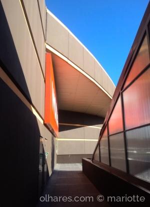 Arquitetura/Linhas, sombras e cores