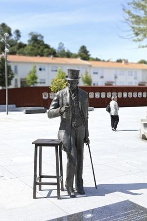 /Eça das Serras e das Cidades