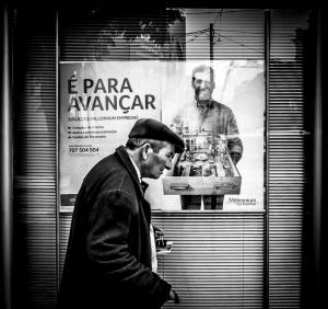 Fotografia de Rua/É PARA AVANÇAR MEU SENHOR, É PARA AVANÇAR