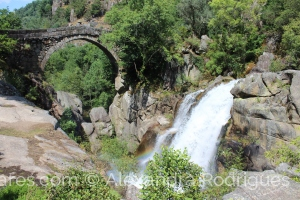/Cores do arco íris na Ponte Misarela