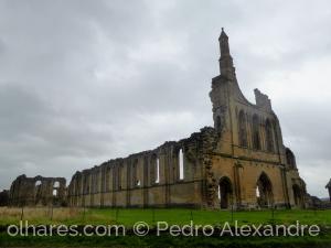 História/Ruínas de uma catedral