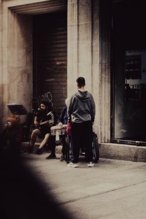 /street singer