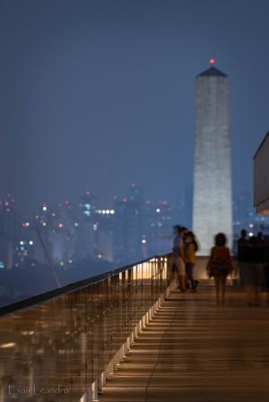 Gentes e Locais/Obelisco nas alturas