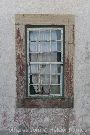 Outros/uma janela para o passado