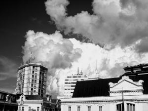 Gentes e Locais/Aveiro.  Nuvens brancas