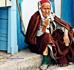 /IDOSO  EM SIDI BOU SAID  -   TUNISIA  .