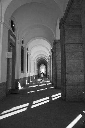 Fotografia de Rua/Pelas arcadas...