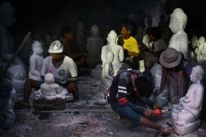Gentes e Locais/Fazedores de Budas