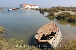 História/Barco furado não flutua