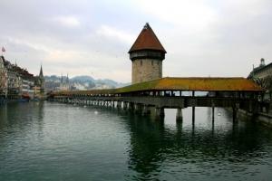 Gentes e Locais/Kapellbrücke