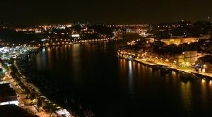 Paisagem Urbana/porto à noite