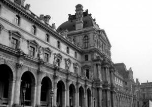 /Le Louvre